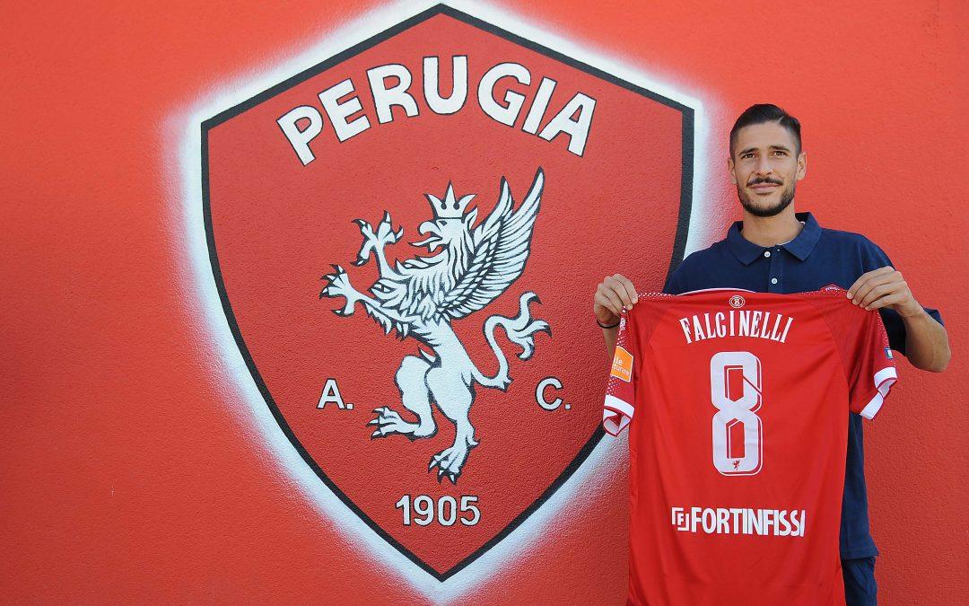 """Falcinelli: """"So il valore della maglia e del numero 8. Sono sicurissimo che lo onorerò sempre"""""""